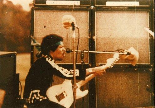 Hendrix02