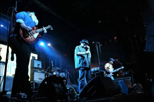 Blues Traveler Live1