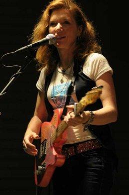 Sue Foley02