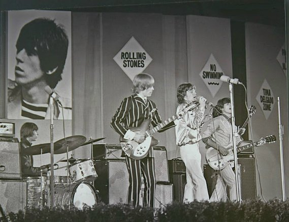RollingStonesLive1966_05.jpg