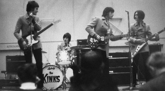 KinksLive1967_02