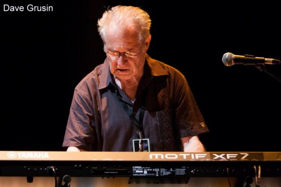 Lee Ritenour Band , Featuring : Dave Grusin