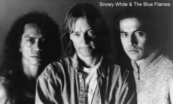 Snowy White & The Blue Flames01